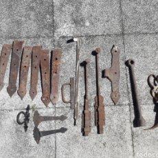 Antigüedades: BISAGRAS CIERRE Y MÁS ENVÍO 15 EUROS PENÍNSULA Y BALEARES. Lote 162448257
