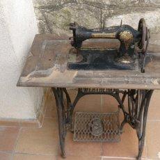 Antigüedades: MÁQUINA DE COSER WERTHEIM RAPIDA BARCELONA 1920. Lote 162576280