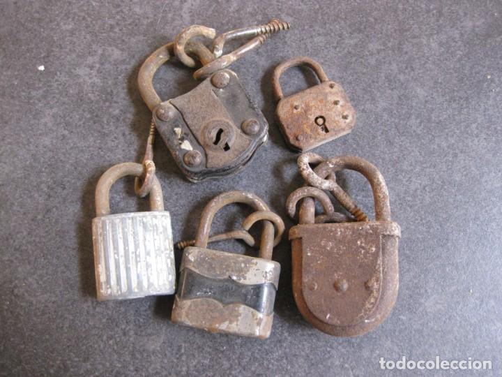 Antigüedades: 5 candados antiguos ,en hierro - ( necesitan restauracion) sin llave - Foto 2 - 162611490