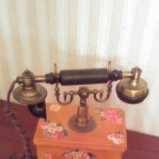 Teléfonos: TELEFONO ARMAZON MADERA CON DISEÑO TIPO ANTIGUO ,FUNCIONA. Lote 162647881
