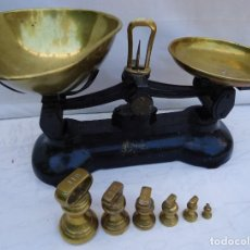 Antigüedades: ANTIGUA BALANZA INGLESA PERFECTA CON PESAS INCLUIDAS. Lote 162675050