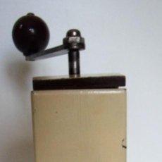 Antigüedades: MOLINILLO ART-DECÓ DE CAFÉ MARCA K&M. MODELO 900. ALEMANIA CA. 1930/1938.. Lote 162807954