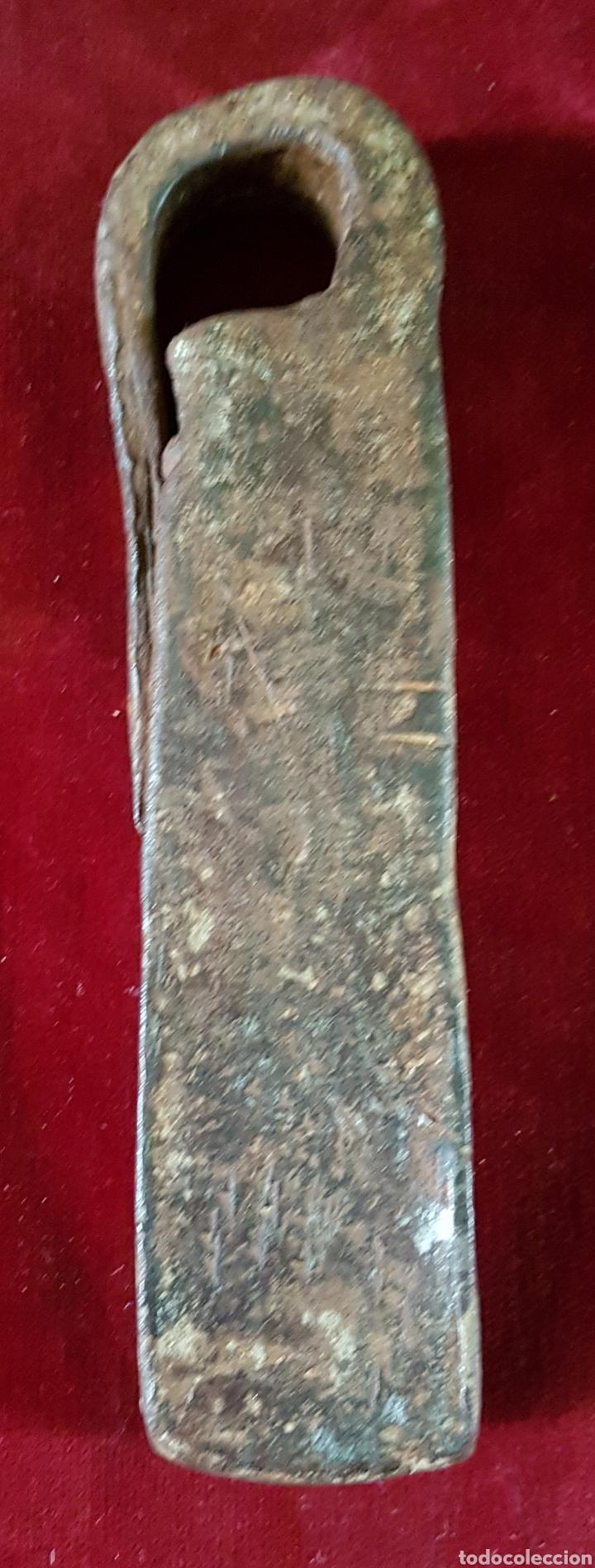 Antigüedades: Antigua gran romana pesa medida hierro forja - Foto 3 - 163033766