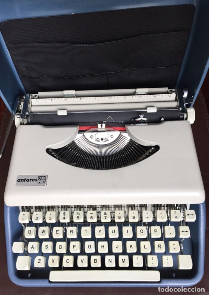 MAQUINA ESCRIBIR PORTATIL ANTARES COMPACT COLOR GRIS CLARO (Antigüedades - Técnicas - Máquinas de Escribir Antiguas - Otras)