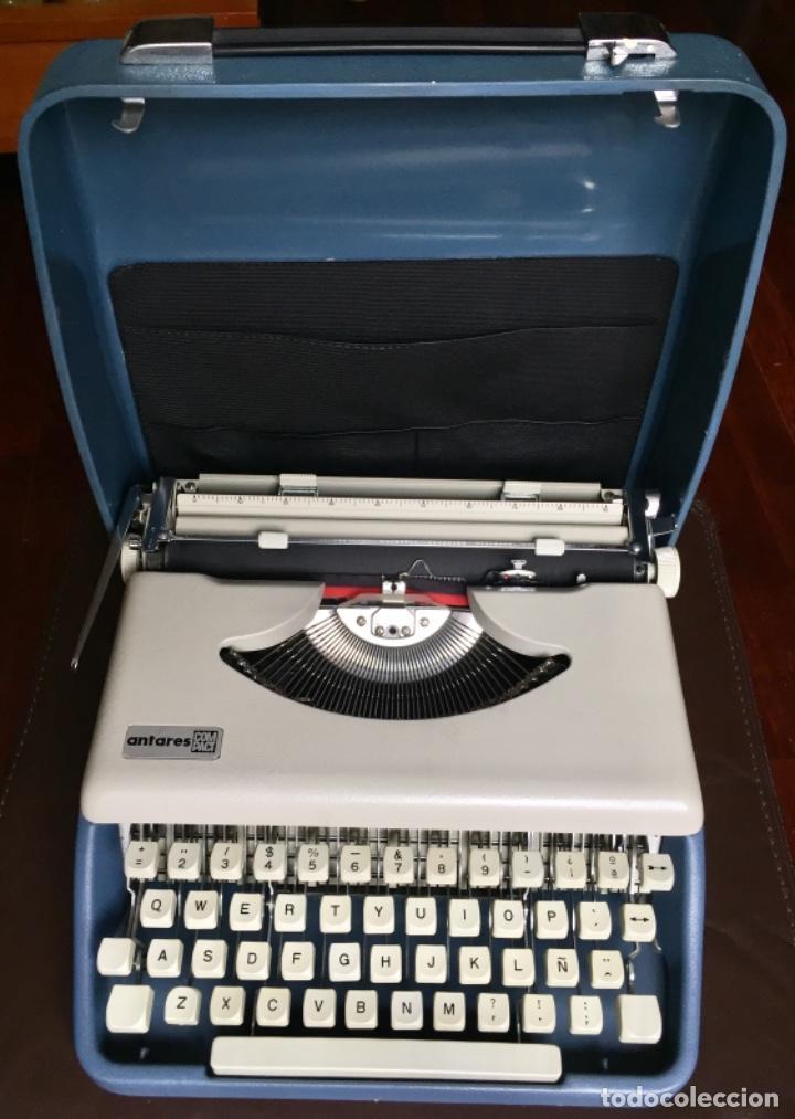 Antigüedades: Maquina escribir portatil Antares Compact Color Gris Claro - Foto 2 - 163464354