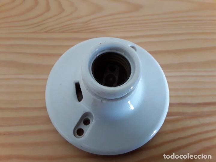 Antigüedades: Antiguo portalámparas de cerámica. Made in U. S. A. - Foto 4 - 163496566