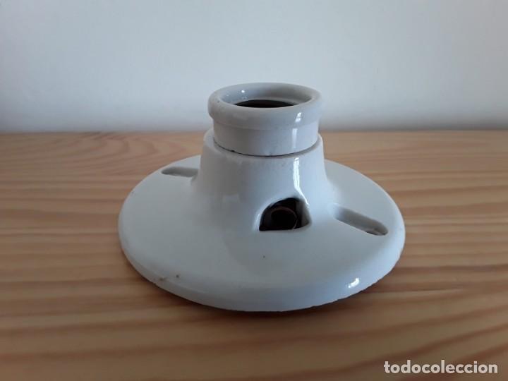 Antigüedades: Antiguo portalámparas de cerámica. Made in U. S. A. - Foto 6 - 163496566