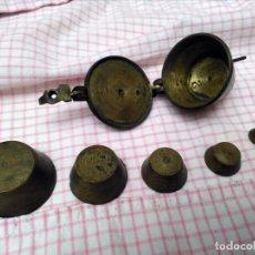 Antigüedades: JUEGO DE PONDERALES DE BRONCE VASOS ANIDADOS S. XIX. Lote 163547598