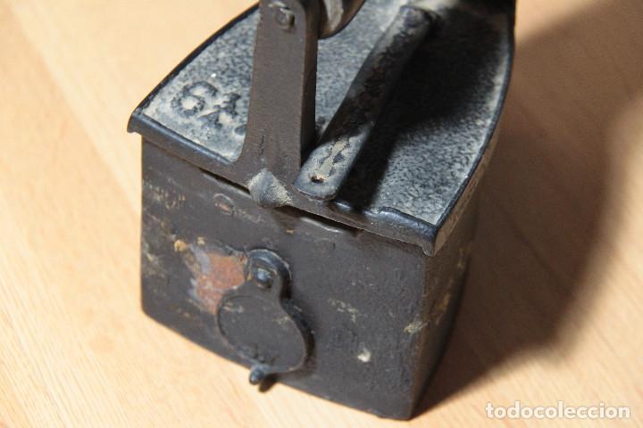 Antigüedades: Plancha de carbón antigua con chimenea - Foto 5 - 163617378
