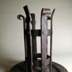 Antigüedades: CANDELERO --HACHERO-- VELON - HIERRO FORJADO ESPAÑA--LITURGIA --IGLESIA. Lote 163655398