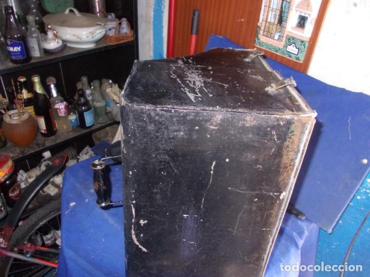 Antigüedades: tapadera antigua de chapa - Foto 4 - 163683598