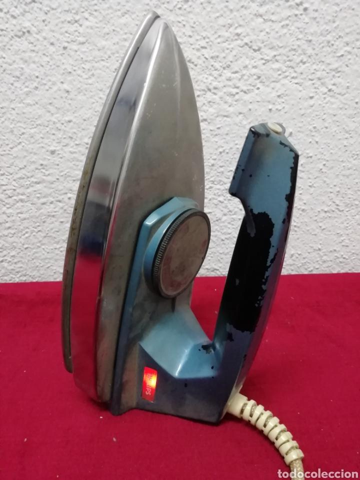 Antigüedades: Antigua plancha eléctrica Philips. HD1121BT. 115/230V - Foto 3 - 163699809