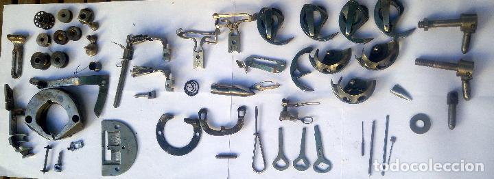 Antigüedades: Caja con repuestos para máquina de coser ALFA - Foto 5 - 163791470