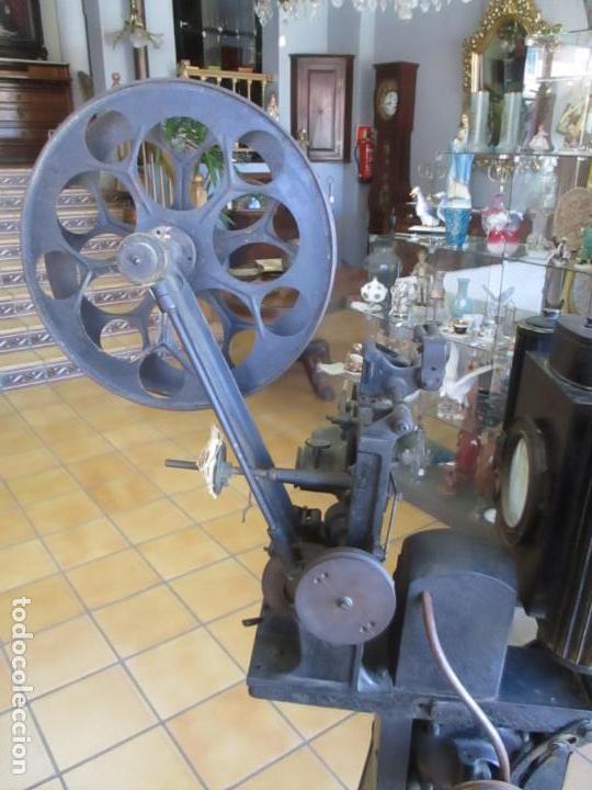 Antigüedades: Antiguo Proyector, Cine Sonoro - Societe des Etablissements Gaumont, París - Pionifilm - Foto 15 - 163818590