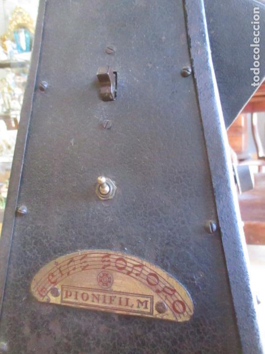 Antigüedades: Antiguo Proyector, Cine Sonoro - Societe des Etablissements Gaumont, París - Pionifilm - Foto 23 - 163818590