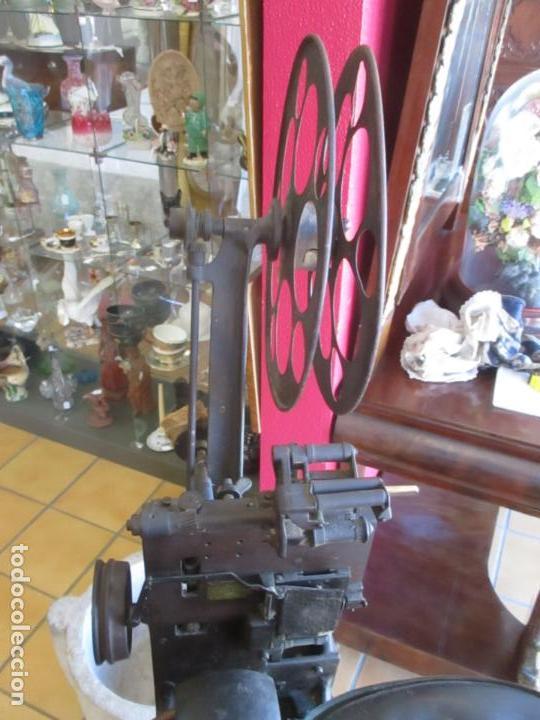 Antigüedades: Antiguo Proyector, Cine Sonoro - Societe des Etablissements Gaumont, París - Pionifilm - Foto 35 - 163818590