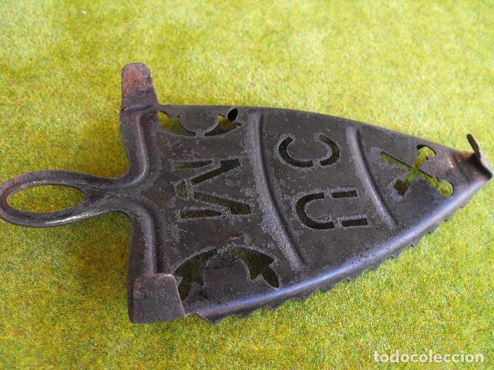 Antigüedades: Soporte de plancha de hierro - Foto 2 - 164175226