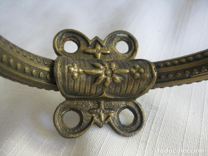 Antigüedades: PERCHERO DE BRONCE Y LATON CON POMOS DE PORCELANA - Foto 4 - 164611510