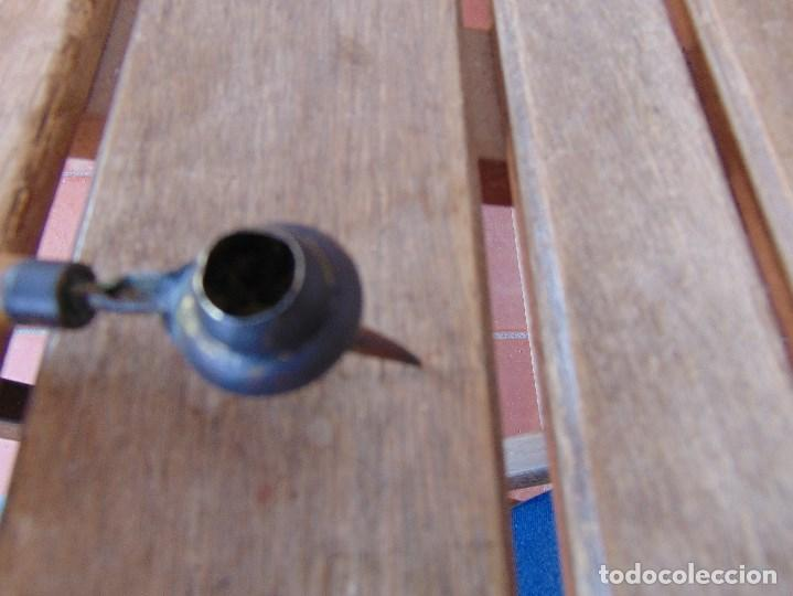 Antigüedades: DOSIFICADOR CUENTA GOTAS O SIMILAR EN MADERA Y METAL OIDO - Foto 4 - 164711946