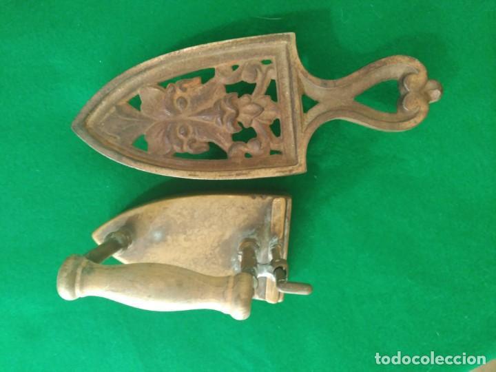 Antigüedades: RARA Y ANTIGUA PLANCHA PEQUEÑA DE LATÓN CON BASE PARA MANGAS O CUELLOS PESO 600 gm. COMPLETA 189,00 - Foto 6 - 164726382