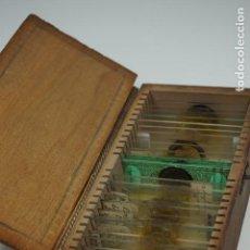 Antigüedades: MICROSCOPIO. ANTIGUA COLECCIÓN DE 24 PREPARACIONES MICROSCÓPICAS C.1880. Lote 164731210