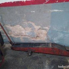 Antigüedades: ANTIGUO GATO CARRETILLA VINTAGE HIDRAULICO DE TALLER PARA CAMION. Lote 164802898