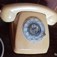 Teléfonos: ANTIGUO TELEFONO COLOR INDEFINIDO (AMARILLO, ANARANJADO CLARO). Lote 164855506