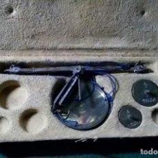 Antigüedades: BALANZA PARA PESAR MONEDAS DE ORO Y PLATA CON PONDERALES PONDERAL BALANZA MONEDAS. Lote 165014050