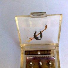 Antigüedades: CAJITA-SET DE AFEITADO DE VIAJE DE MAQUINILLA DE AFEITAR,DESMONTABLE (DESCRIPCIÓN). Lote 165025170