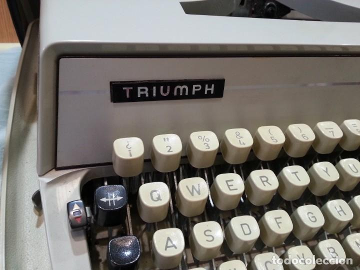 Antigüedades: Máquina de escribir marca TRIUMPH GABRIELLE 25. No funciona. - Foto 3 - 165081518