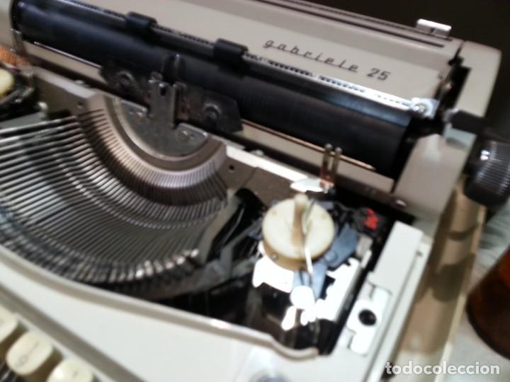 Antigüedades: Máquina de escribir marca TRIUMPH GABRIELLE 25. No funciona. - Foto 6 - 165081518