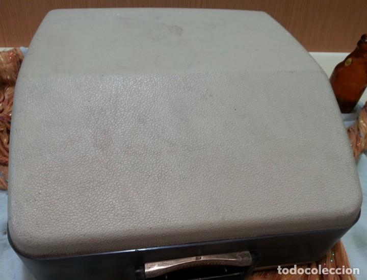 Antigüedades: Máquina de escribir marca TRIUMPH GABRIELLE 25. No funciona. - Foto 8 - 165081518