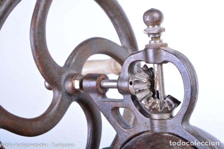 Antigüedades: Molinillo de Café antiguo marca ELMA número 0 - Excelente estado de conservación - Original - Foto 15 - 190511346