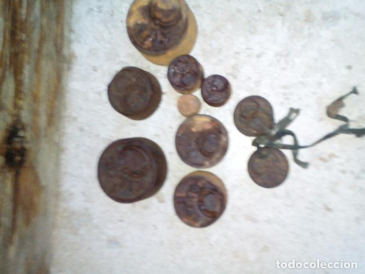Antigüedades: Lote de 10 pesas antiguas - Foto 2 - 165129846