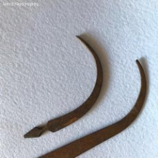 Antigüedades: ETNOGRAFÍA. DOS AGUJAS SAQUERAS DE HIERRO FORJADO. FORJA.. Lote 165215569