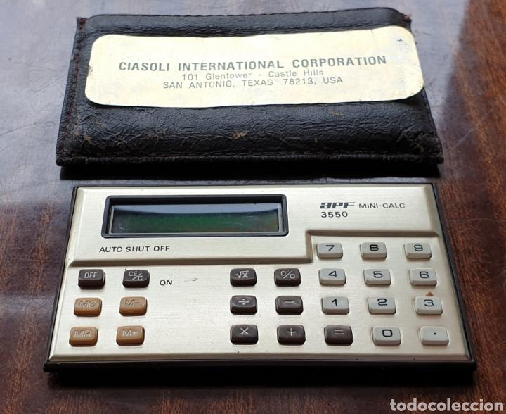 Antigüedades: VINTAGE APF MINI CALCULADORA 3550 LCD DISPLAY de 1985 - Foto 2 - 165237862