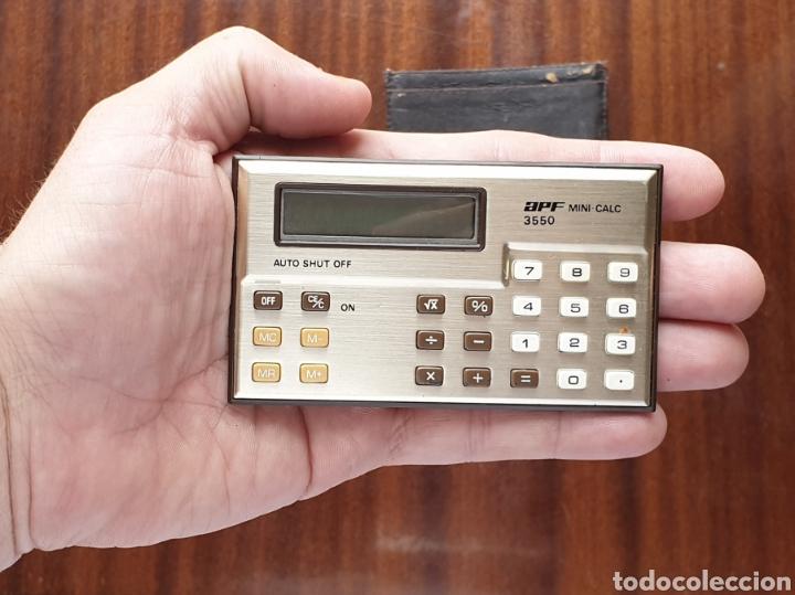 Antigüedades: VINTAGE APF MINI CALCULADORA 3550 LCD DISPLAY de 1985 - Foto 5 - 165237862