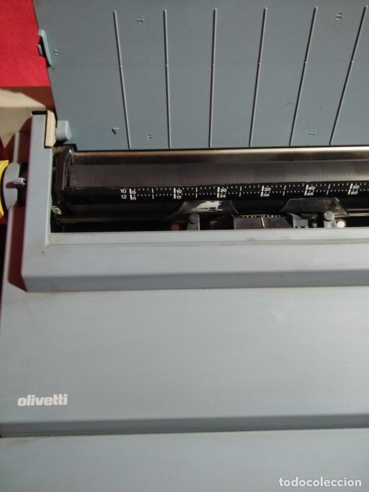 Antigüedades: MAQUINA DE ESCRIBIR MODELO ET PERSONAL 55 ELECTRICA Y FUNCIONANDO - Foto 4 - 165379150