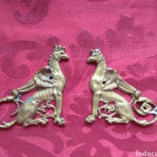 Antigüedades: PAREJA DE EMBELLECEDORES - REMATE DE MUEBLE - BRONCE - XIX -. Lote 165383325