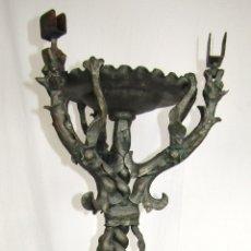 Antigüedades: CENICERO DRAGONES HIERRO FORJADO PRIMER TERCIO SIGLO XX. Lote 165456270