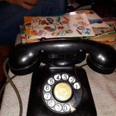Teléfonos: ANTIGUO TELÉFONO BAQUELITA COMPAÑIA TELEFONICA NACIONAL DE ESPAÑA AÑOS 50. Lote 165520534