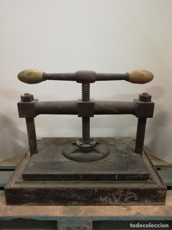 Antigüedades: Espectacular. Gran prensa para libros antigua. 54x66x41. Ver fotos y descripcion. - Foto 5 - 165545050