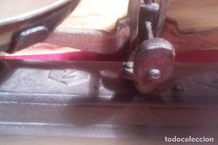 Antigüedades: BASCULA - 2 KG. - Foto 2 - 165577542