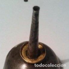 Antigüedades: ANTIGUA ACEITERA PARA ENGRASE DE MAQUINA DE COSER. Lote 165692378