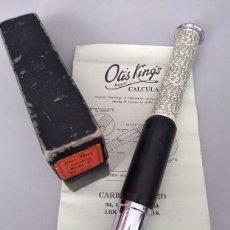 Antigüedades: ANTIGUA CALCULADORA DE BOLSILLO OTIS KING TELESCOPICA INGLATERRA AÑO 1970 CON SU CAJA E INTRUCCIONES. Lote 165823424