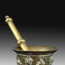 Antigüedades: MORTERO CON MOTIVOS VEGETALES Y MÁSCARAS. BRONCE. SIGLOS XVI-XVII. Lote 165929874