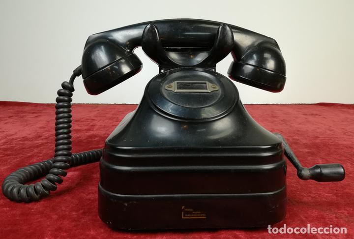 FERROCARRIL. TELÉFONO ANTIGUO MAGNETO STANDARD ELÉCTRICA, S.A. RENFE. (CIRCA 1950) MADRID (Antigüedades - Técnicas - Teléfonos Antiguos)