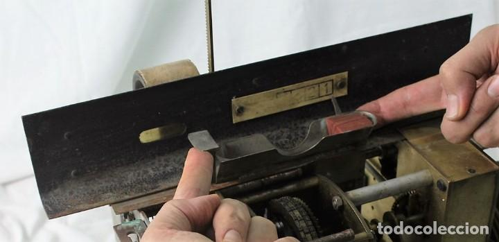 Antigüedades: Mecanismo de una antigua máquina de fichar,Kartenheber. - Foto 7 - 165954706