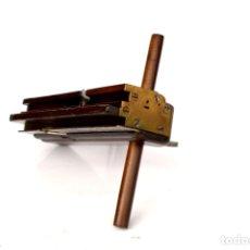 Antigüedades: CEPILLO MACHEMBRADOR DE 22,5 CM DE LARGO POR 5 DE ANCHO POR 14 CM DE ALTO. Lote 166084514