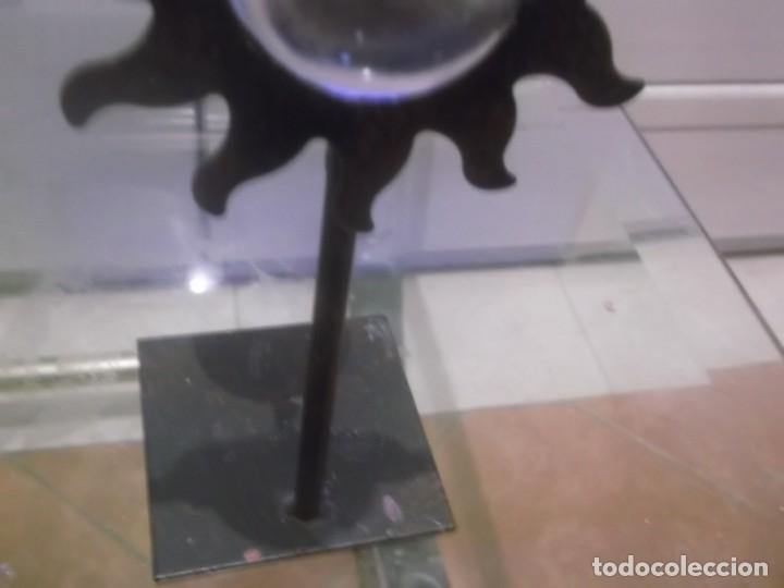 Antigüedades: ANTIGUO VELATORIO DE METAL CON CRISTAL DE LUPA , MUY RARO - Foto 4 - 166170082
